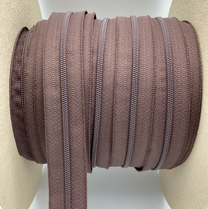 0,5 m YKK Spiralmeterware in BROWN
