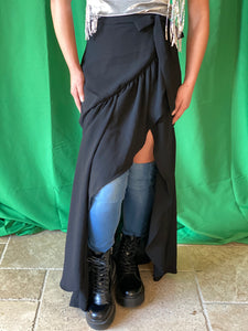Black wrap skirt with one flounce layer