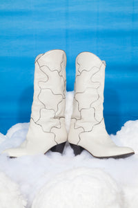 70's white leather Cowboy boots with silver curvy lines