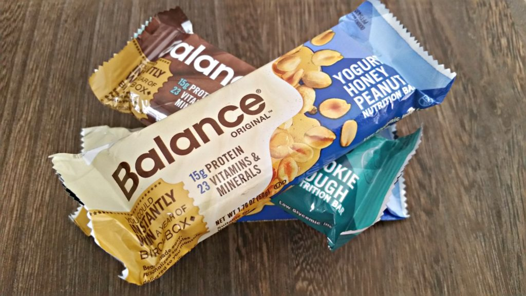 Delicious, smart snacking with @balancebar via @agirlsgottaspa #sponsored