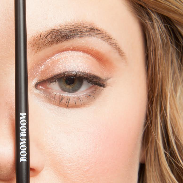 Define your brow arch, here's how! #beauty #brows
