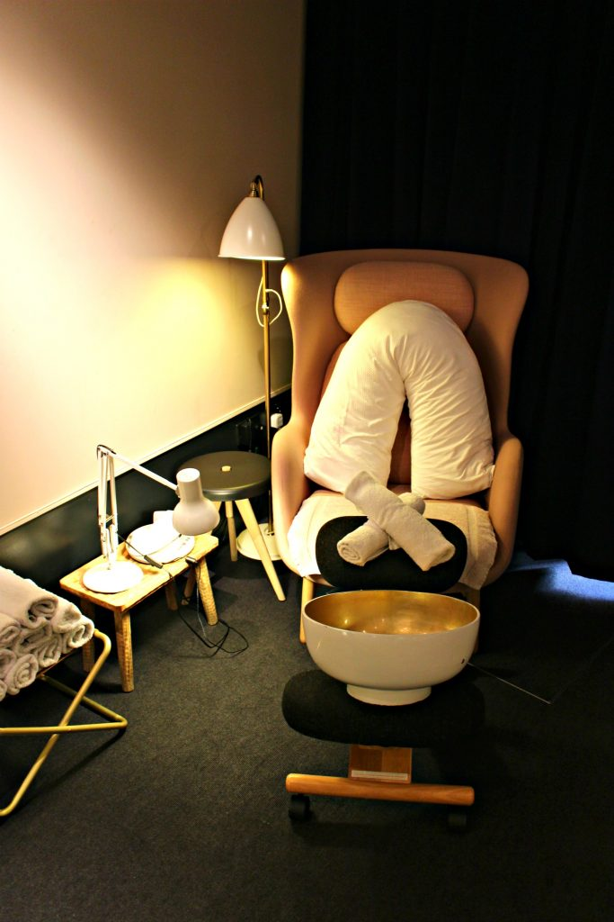 Relaxing manis and pedis @drybylondon via @agirlsgottaspa