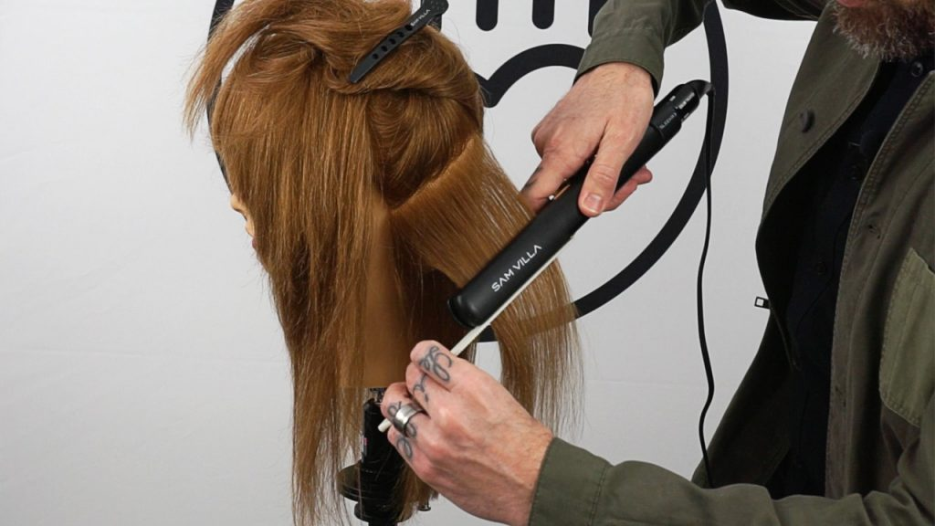 Flat iron do's and don'ts via @samvillahair @agirlsgottaspa