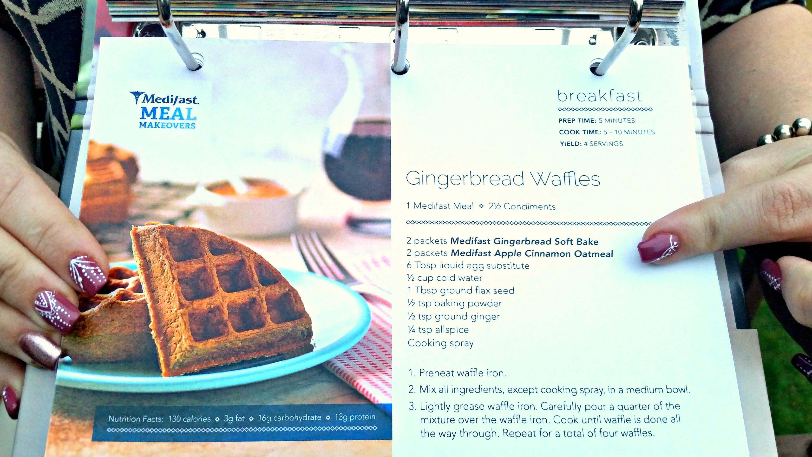 #Holiday #recipes (like Gingerbread waffles) - and how to stick to your diet during the fall season! via @agirlsgottaspa #sponsored #medifast #yum