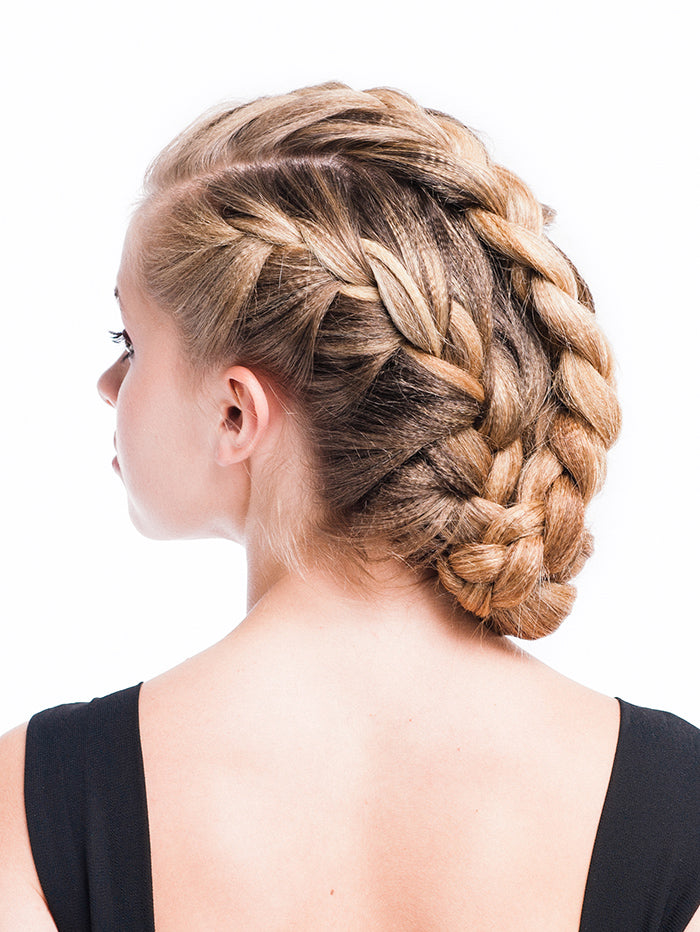 How to fix over-processed hair. Tips from Sam Villa. Also, find out how to duplicate this hair style. #haircare #beauty