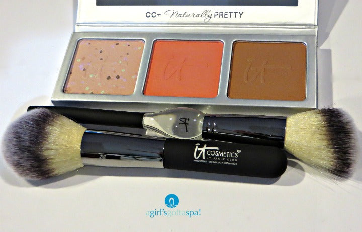 It Cosmetics CC+ Radiance Palette review via @agirlsgottaspa #makeup