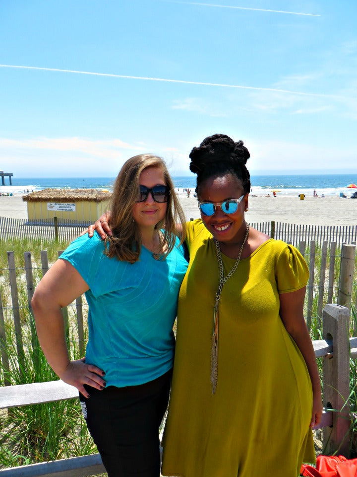 Fun in aAtlantic City! Lyuba from @willcookforsmiles and Kelly from @KellyAugustineB #DoAC