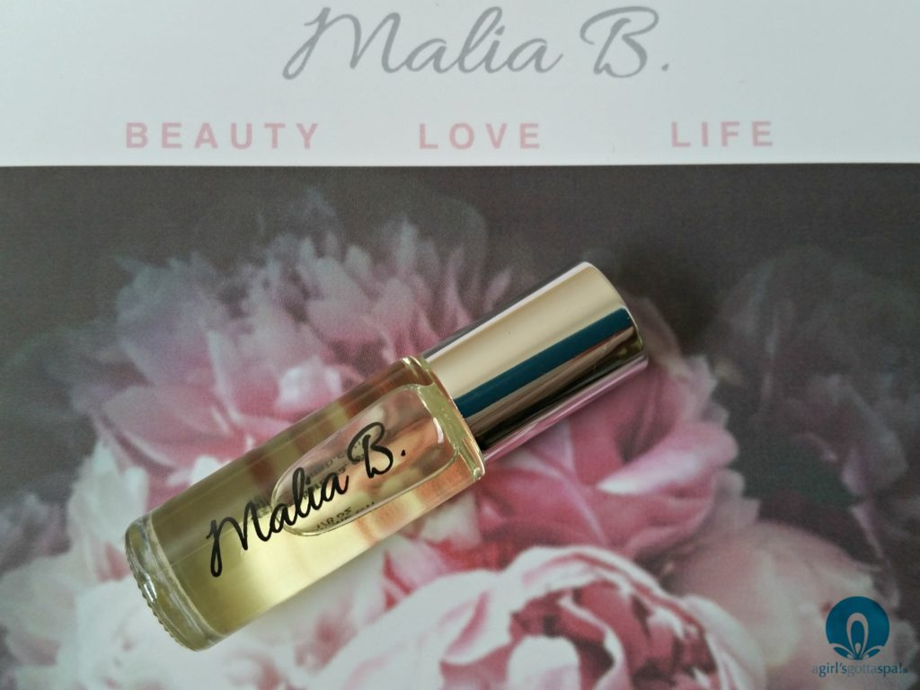 Malia B perfume oil review via @agirlsgottaspa