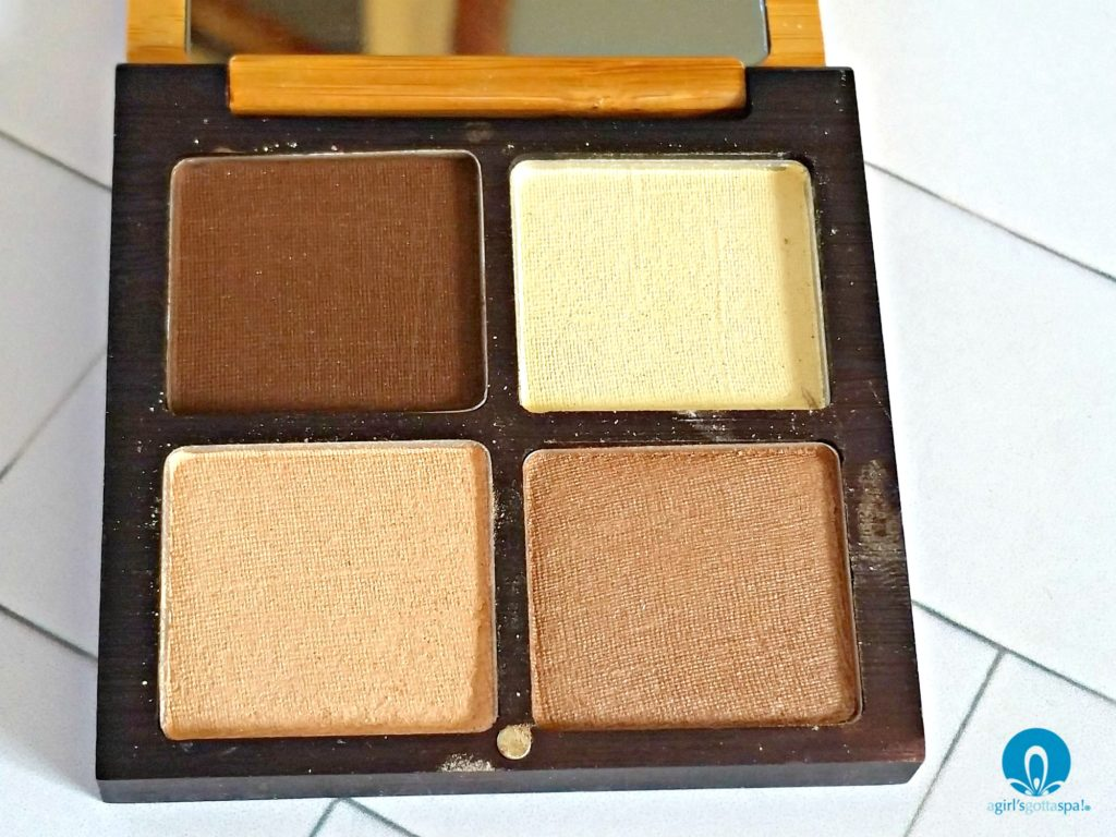 Organic eye shadow from The Organic Skin Co review via @agirlsgottaspa