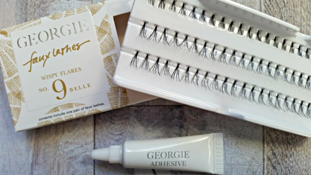 Wispy fake lashes from @georgiebeauty and the best lash adhesive via @agirlsgottaspa