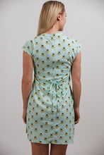 Load image into Gallery viewer, Bee Shift Pocket Dress