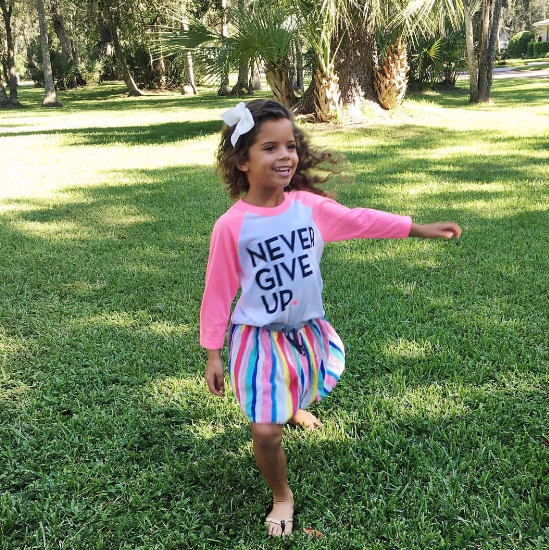 KIDS PINK SIGNATURE BASEBALL TEE