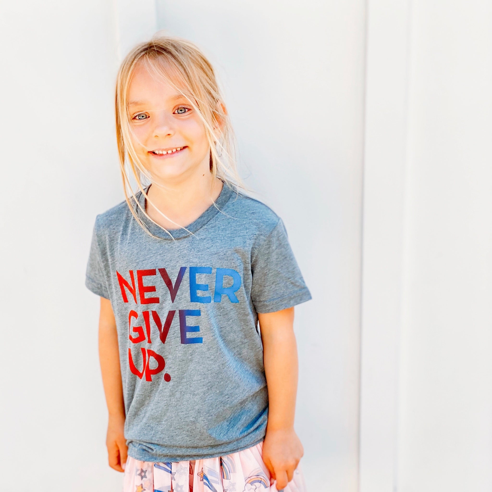 KIDS OMBRE NEVER GIVE UP. TEE