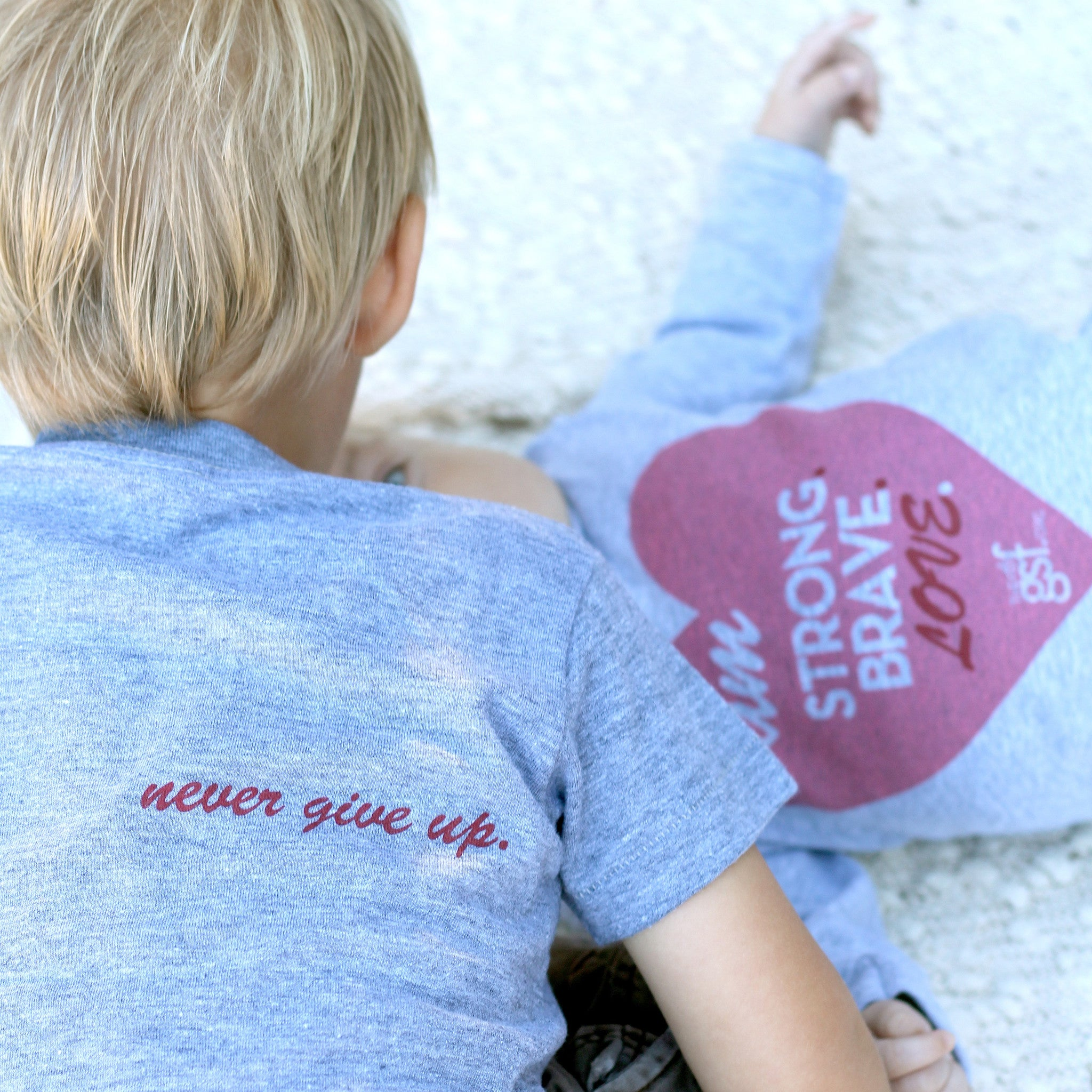 KIDS I AM STRONG BRAVE LOVE TEE