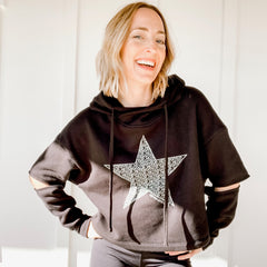 STAR NEVER GIVE UP. CROP HOODIE