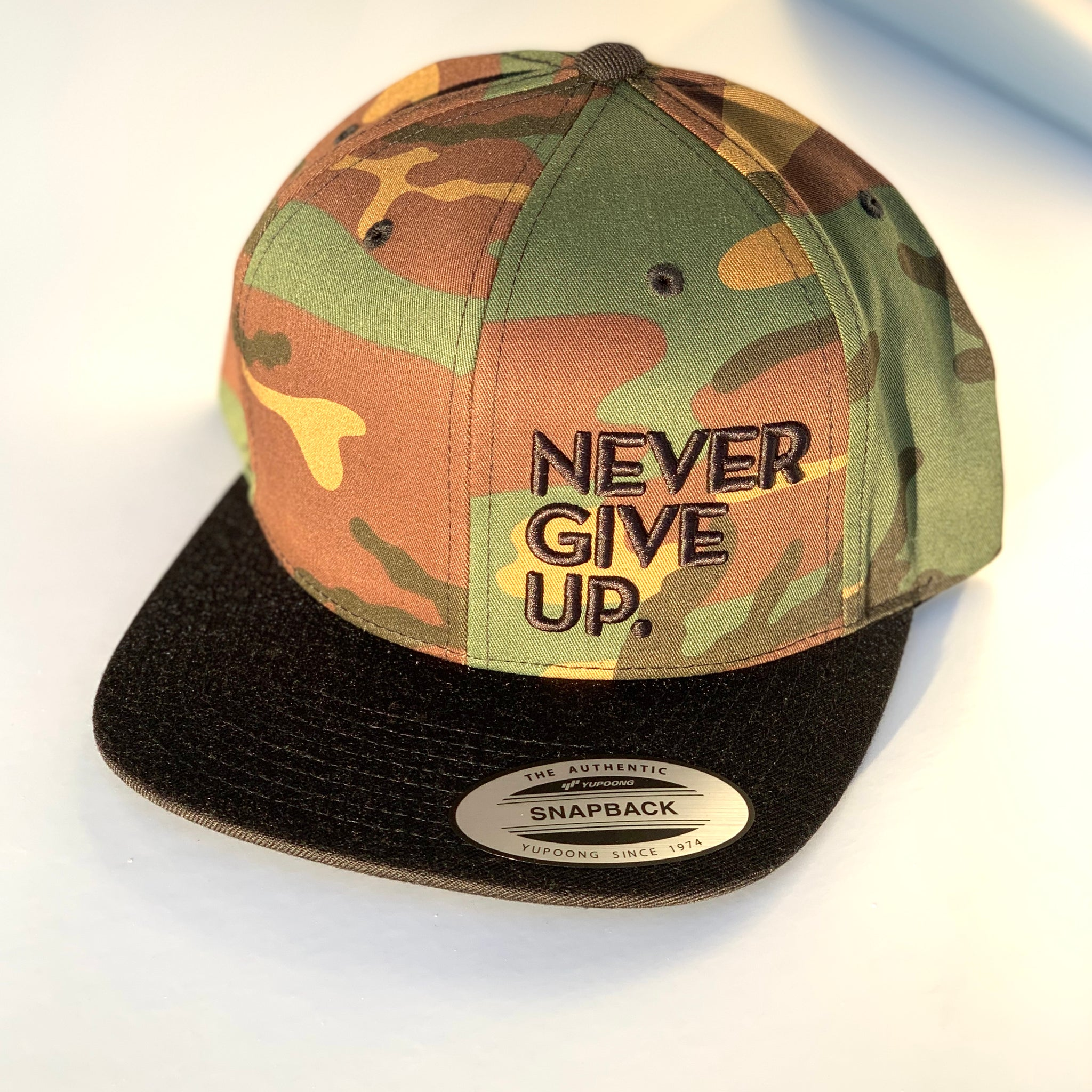3D CAMO NEVER GIVE UP. HAT