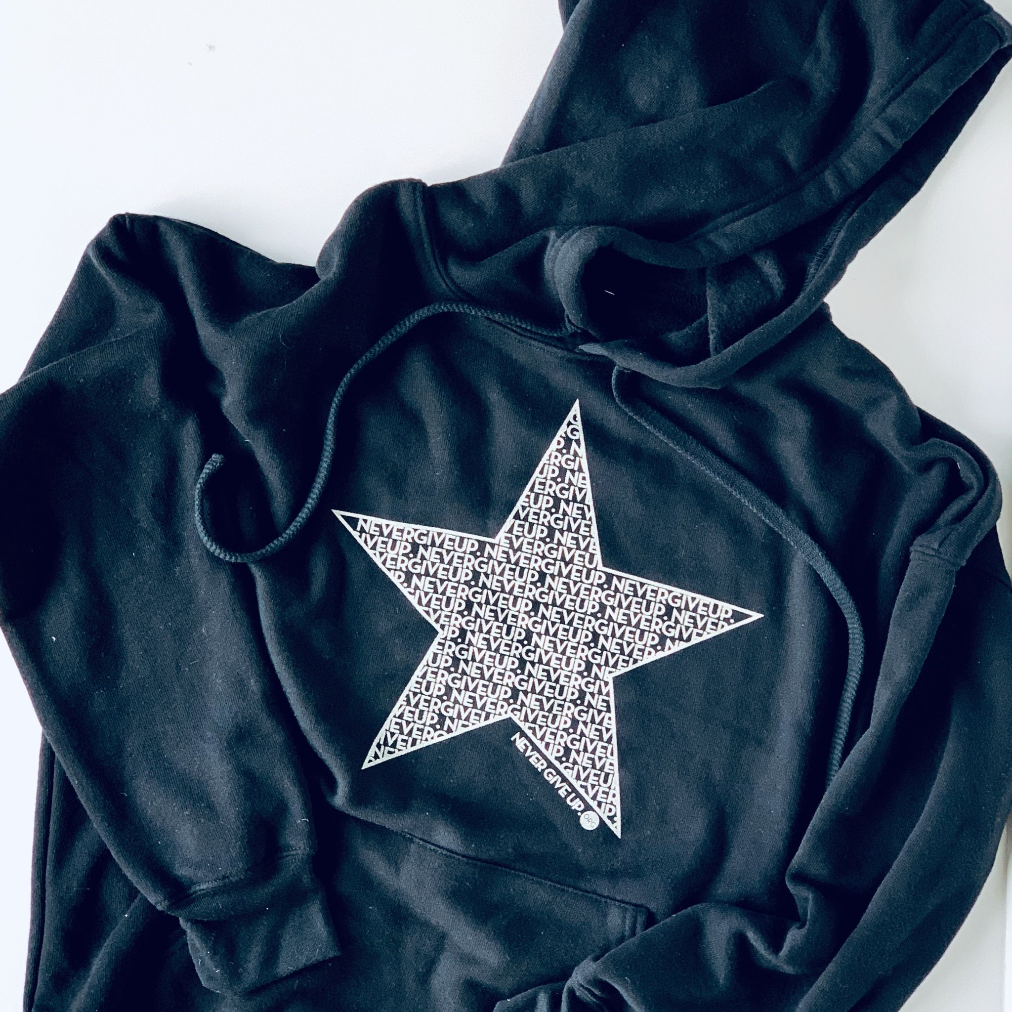 STAR NEVER GIVE UP. UNISEX HOODIE