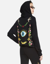 Amina Floral Eye Love