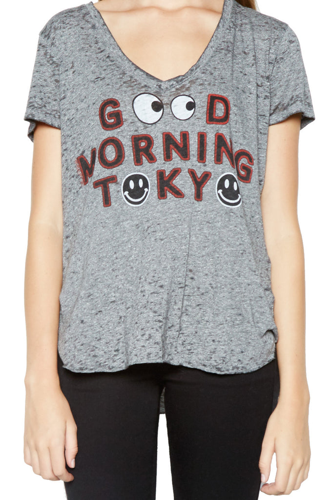 Emmalyn Good Morning Tokyo S/S V-Neck Scoop Raw Hem Tee