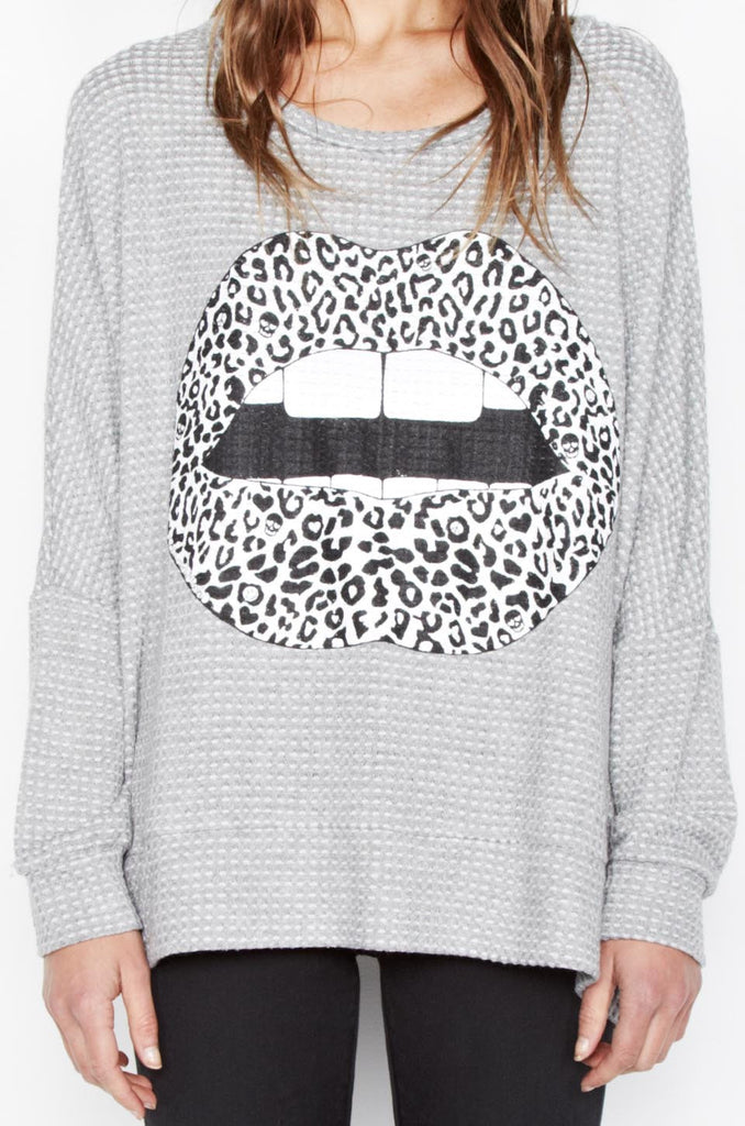 Temple Leopard Lip L/S Cape