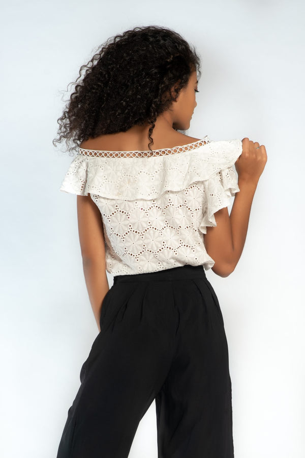Broderie off shoulder top 2