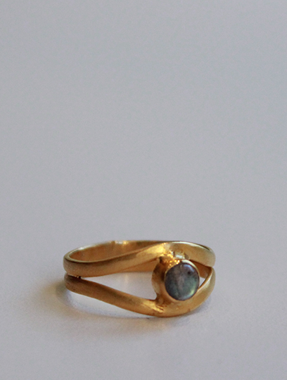 Labradorite Surrealist Ring