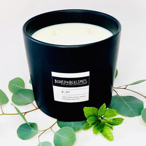 3-wick luxury large soy candle in an handmade matte black ceramic vase in an energizing and invigorating scent