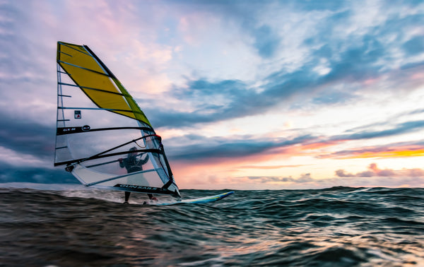11 Best Windsurf Spots in the UK