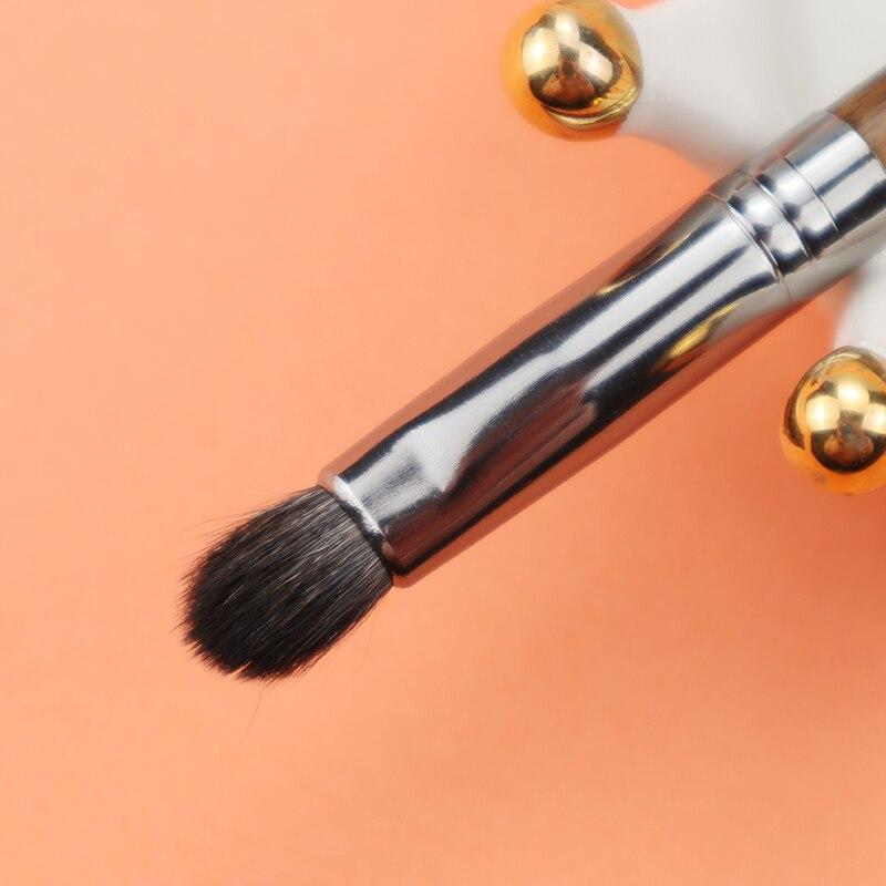 Classic Eye Shadow Blending Brush Flat Shader Brush OVW RealBang