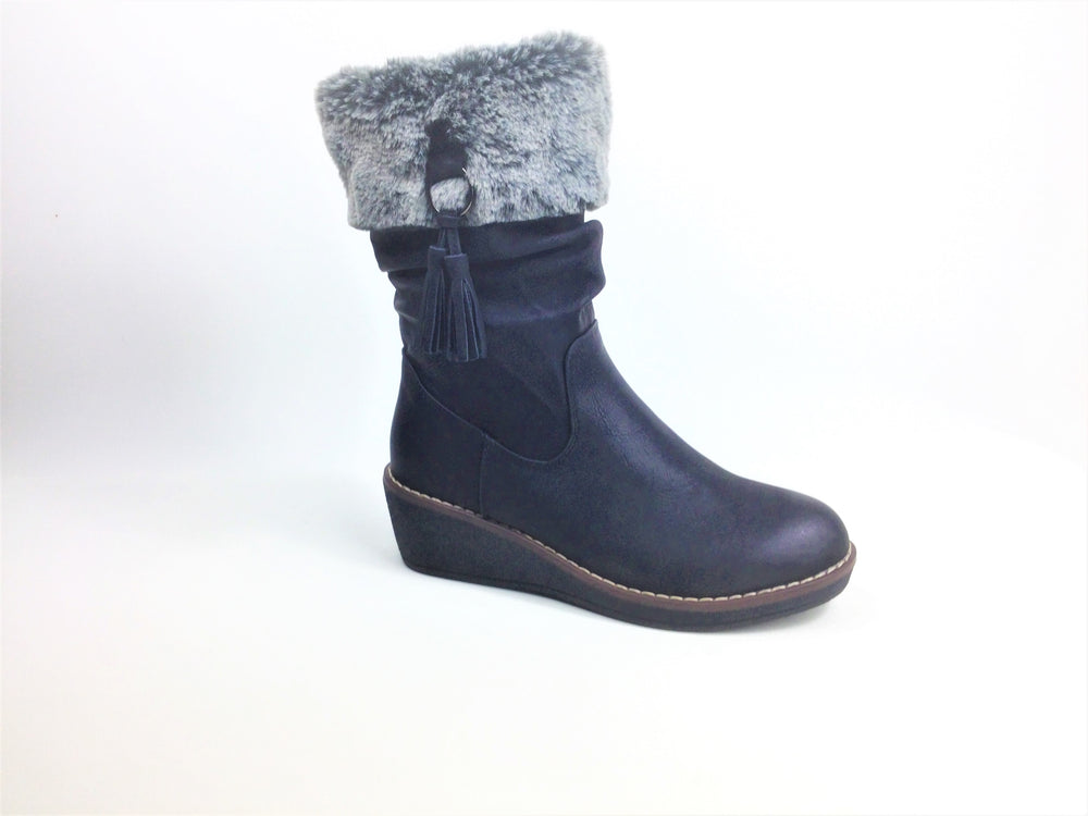 Ankle Boot with Padded Insole Faux fur lining Rubber sole Hard wearing Zip fastening