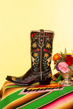 Load image into Gallery viewer, Cowgirl Bandit Boot
