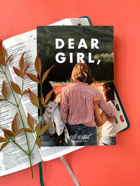Dear Girl Devotional: 31-Day Devotional for Girls