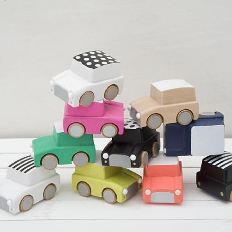 Kiko+ Kuruma (Dots/Black) - Classic Wooden Wind-up Car