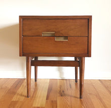 Load image into Gallery viewer, American of Martinsville Nightstand