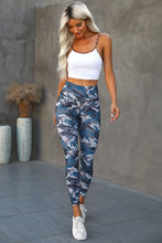 Load image into Gallery viewer, Green Mid Waist Ankle-length Camouflage Leggings
