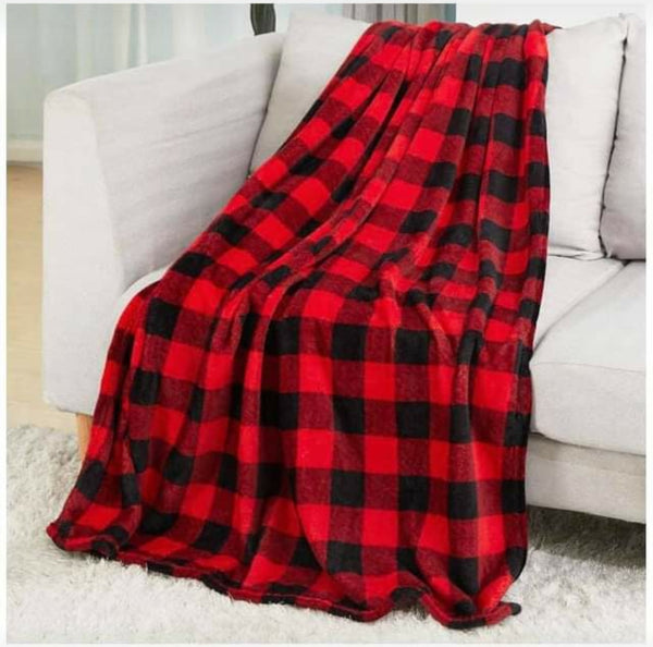 PLAID POM POM THROW BLANKET