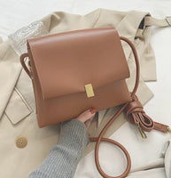 SIMPLISTIC BOXY SHOULDER BAG