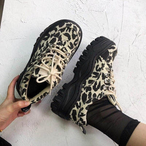 Thick-bottomed leopard print shoes