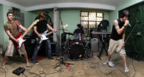 Throwing a House Show? Five Things You Need to Help it Run Smoothly