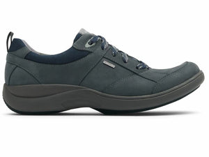 The great cushioned bottom molds to give great comfort. The side silhouette give a great look at the overall design of the shoe that is sleek and compact.