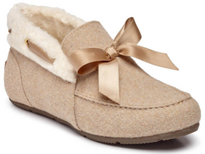 Supportive woman's slipper in natural beige colour.  Features bow detail along with fur white collar.