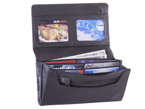 Inside the wallet you will find six credit card holders, two card holders that can be seen, a change zipper pocket for coins and a large pocket for bills.