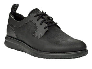 Sleek all over black men's waterproof walking shoe has a combination of oiled leather upper and smooth leather heel guard, opening collar and eyelet plate.  The two textures make it a very stylish shoe.