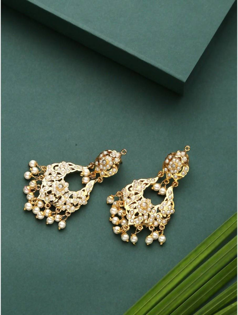 Elegant Gold plated Chandabalis with Pearl details