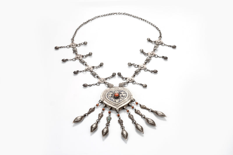 Silver Handmade Necklace Studded With GemStone - Sweet Magnoliaa