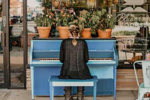 Music + plants | plants like music | music helps plants grow well | plant care | plant delivery melbourne | Garner Plant Delivery