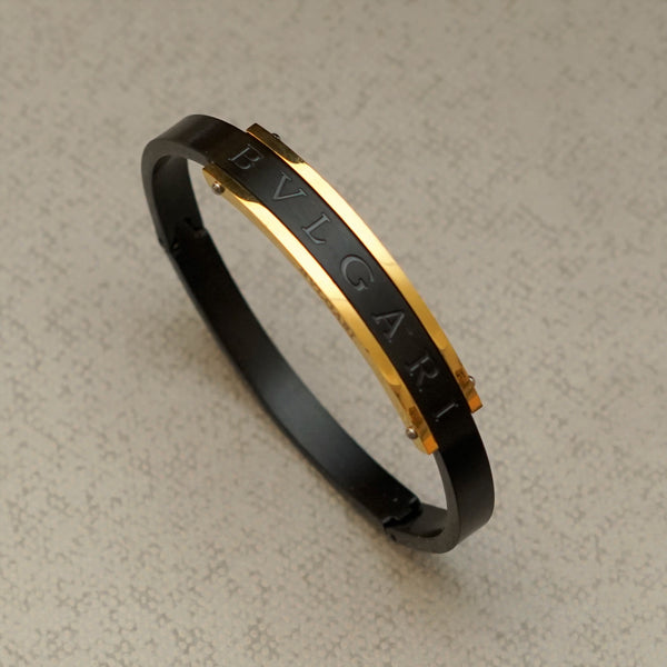 SHOCKER BLACK AND GOLD BRACELET