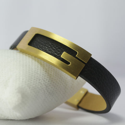 BIG G GOLDEN LEATHER BRACELET