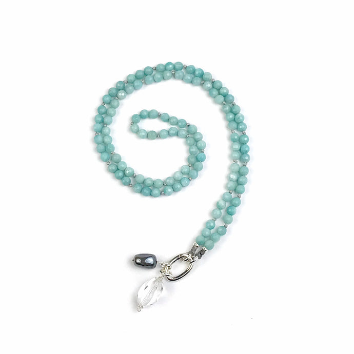 This special Intention Mala necklace was created with beautiful 6mm amazonite gemstones. This mala comes with a Crystal Quartz Charm like the one in the photos (the other charms are for show only and can be purchase separately).