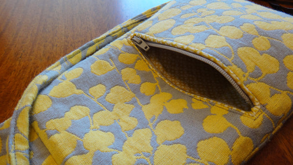Micropurse zip pocket close up
